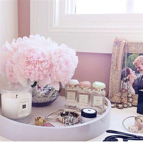 Attrayant Decoration Chambre Adulte Romantique #1: couleur-chambre-adulte-deco-romantique-pivoines.jpg