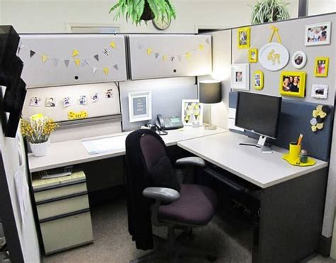 cubicle chic chic yellow cubicle makeover work cubicle pinterest