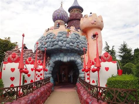 theme park hshire disney parks and end of on pinterest
