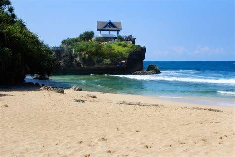 menikmati eksotisnya pantai kukup yogyakarta situs