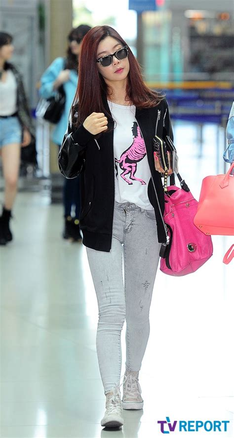 s day airport pics 130424 girl s day sojin leaving for m countdown