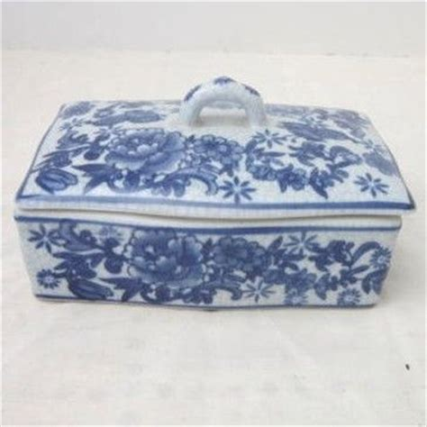 vintage ceramic box with lid from somethingwonderful on
