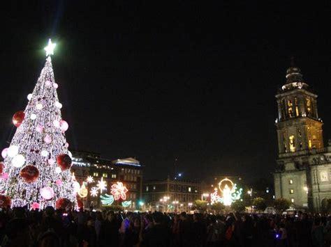 Imagenes Del Zocalo Adornado De Navidad | luces de navidad en el z 243 calo de la ciudad de m 233 xico