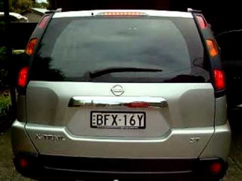 how to remove nissan x trail light