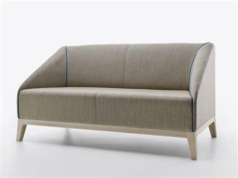 divano a 2 posti divano imbottito a 2 posti collezione by passoni