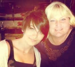 paris jackson mother paris jackson s cousin tanay says she should live with her