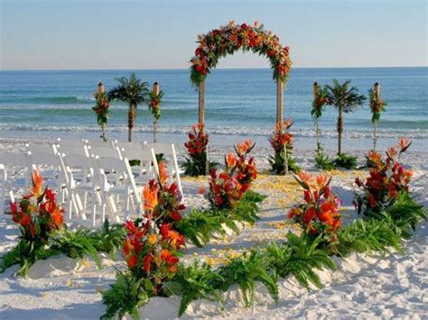 Beautiful Beach Wedding Decorations   Barnorama
