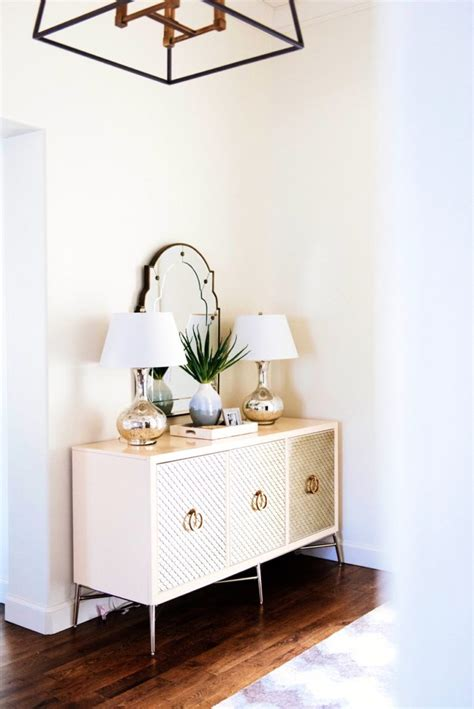 How To Decorate Console Table by Decorate Console Table Peenmedia