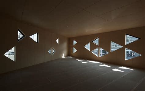 triangle pattern architecture dabura patterns commercial building full of triangles in japan