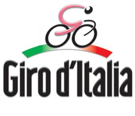 d italia logo on the 2013 giro d italia