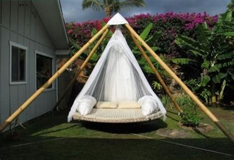 floating beds  room  gardena swinging joy