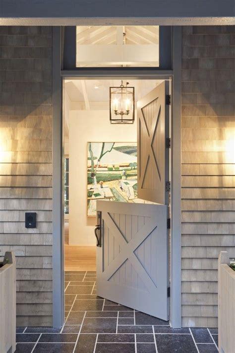 Half Barn Door Best 25 Half Doors Ideas On Barn Door Baby Gate Rustic Pet Doors And Rustic Gates