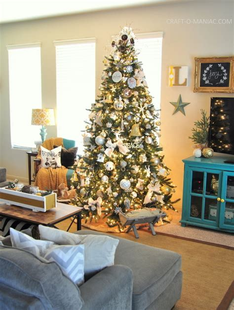 decorate xmas tree modern apartment 25 stunning apartment decoration ideas