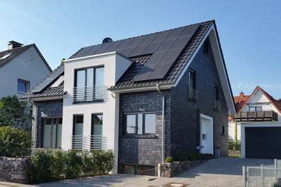 modernes einfamilienhaus mit satteldach bauen  hang