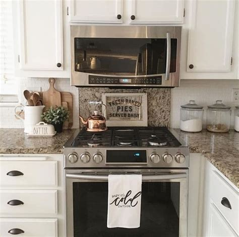 kitchen cabinet decorative accents best 25 granite backsplash ideas on pinterest kitchen