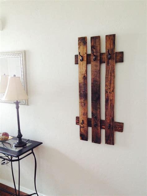 Pallet Coat Rack by Diy Pallet Coat Rack For The Home Decor
