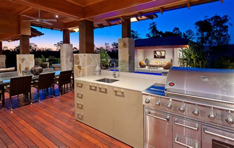Portable Kitchen Islands cook up the perfect outdoor kitchen
