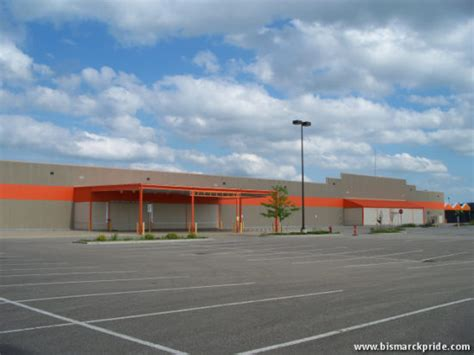 picture of home depot store closed in dakota
