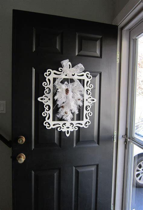Awesome Diy Christmas Door Hanger #10: Christmas-door-decor.jpg