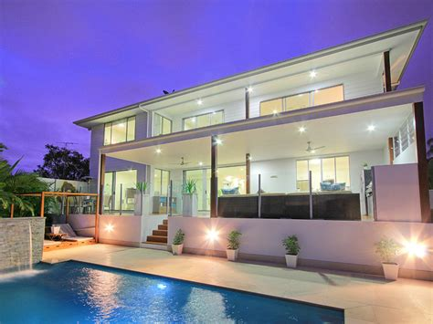 family home to rent gold coast deluxe on water