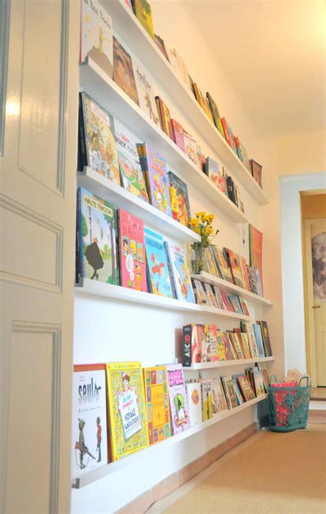 bibliotheque pour enfant un mur de livres la biblioth 200 que des enfants ritalechat