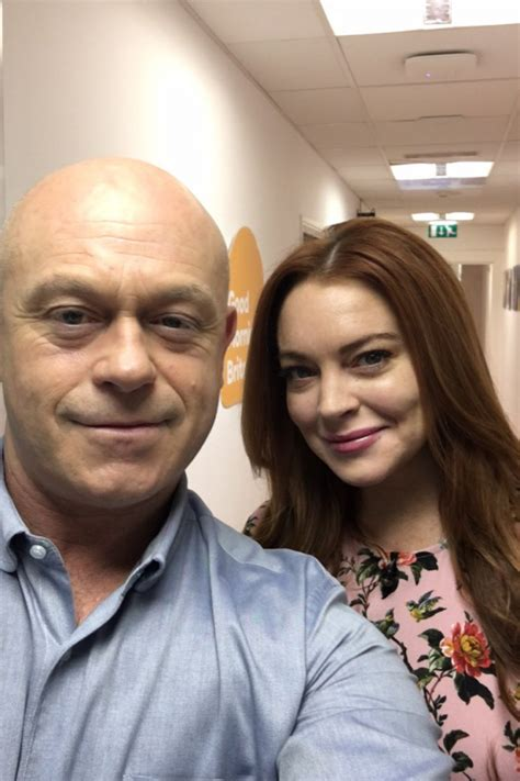 Lindsay Is A Ct by Ross Kemp Shares Seflie With Lindsay Lohan Ok Magazine