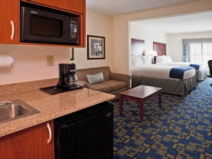 Rooms To Go Pembroke Pines by Inn Express Suites Pembroke Pines St