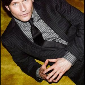 crispin glover moseley baker crispin glover net worth bio wiki 2018 facts which you