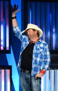 toby keith update what happened to toby keith 2018 news and updates the