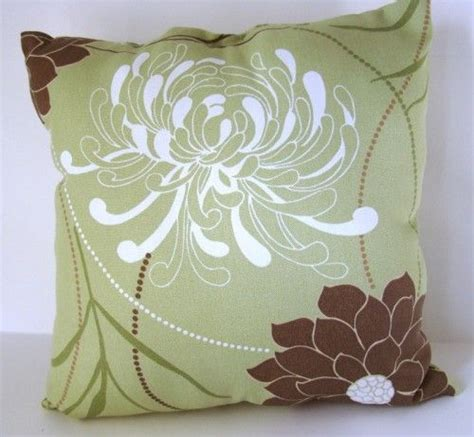 Pillows To Go With Brown by 56 Best Images About Blue Brown Beige Living Rooms On