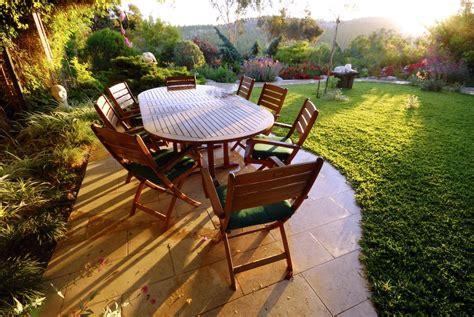 mobilier de jardin en bien choisir ses meubles de jardin renovation et decoration
