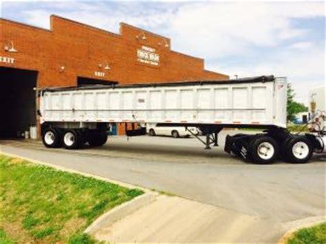 wtf overloaded hauler 3 car trailer 5th wheel crazy under 53ft toy hauler autos post