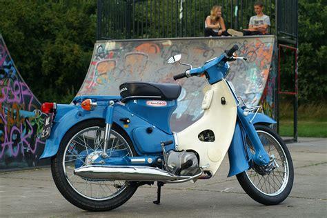 Honda C70 Classic story of motorbike modified in worldwide story of honda