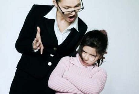 membuat anak patuh pada orang tua apa yang membuat orang tua tega lakukan kekerasan fisik