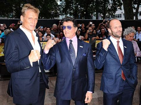 film mit jason statham und sylvester stallone the expendables uk premiere sylvester stallone jason