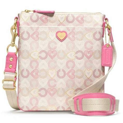 minnie mouse coach outlet 44 best minnie mouse images on