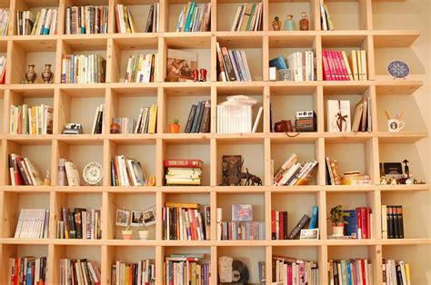 realizza subito una libreria cartongesso costok
