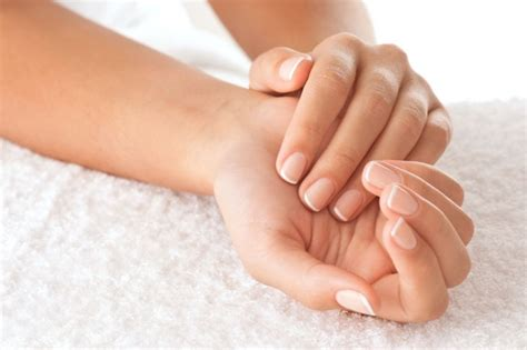 Health 12 Tips For Beautiful Nails by How To Strong And Nails With Castor
