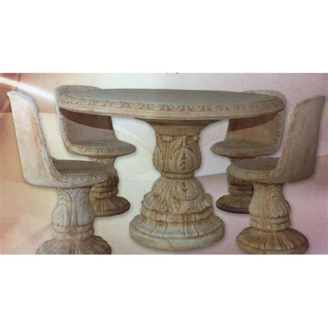 tavoli in cemento tavolo con sedie in cemento