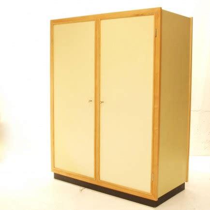 Schmaler Kleiderschrank Mit Stange by Kompakter Kleiderschrank Mit Tablar Und Stange M 246 Bel