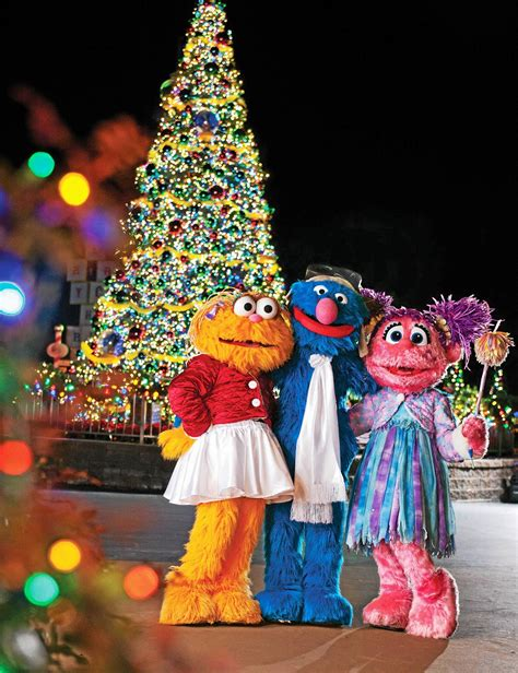 it s a furry christmas elmo big bird zoe and friends
