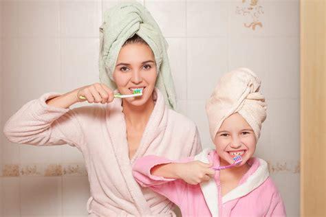 Sikat Gigi Anak Dengan Tutup Unik Sikat Gigi Bayi 3 5tahun 6 trik mengajarkan anak sikat gigi dengan cara yang
