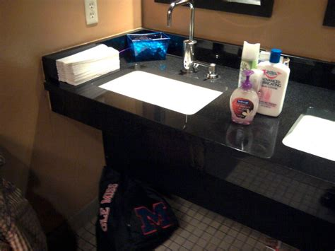 Bathroom Attendant In Clubs Attendants Help You And The Loo Stay In Top Form Onmilwaukee