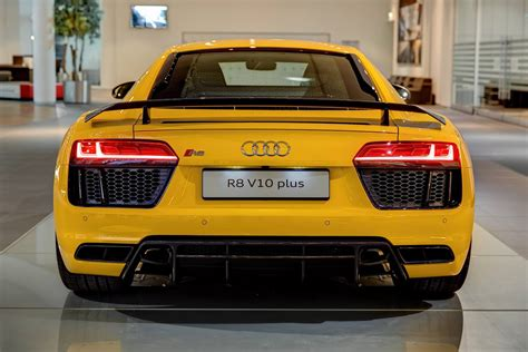 Audi Forum by Vegas Yellow 2016 Audi R8 V10 Plus Arrives At Audi Forum