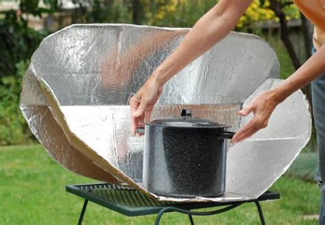Urban Soup Kitchen - build a solar cooker and let the sun do your cooking with soup recipe green prophet
