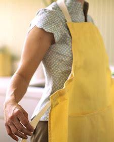 apron pattern martha stewart easy on easy off apron martha stewart