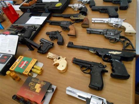 armi fatte in casa sequestrato arsenale armi artigianali