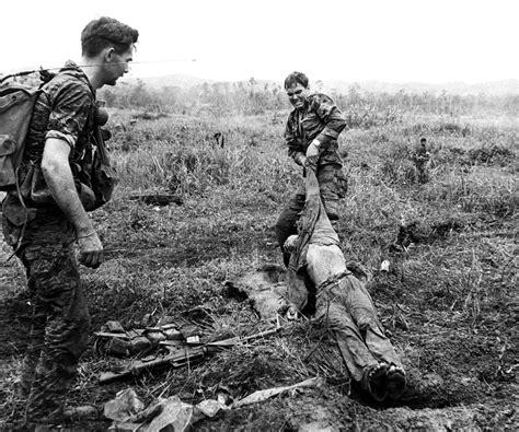 möbel mit köthen a us special forces soldier pulls a dead