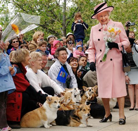 queen elizabeth corgi with her last corgi dead queen elizabeth s rule is truly