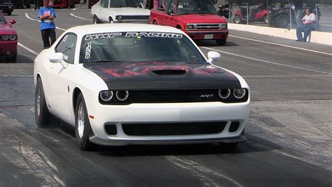 meet the fastest hellcat challenger in the world